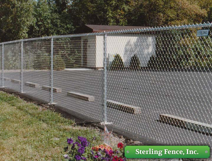 Galvanized chain link fencing fence contracting